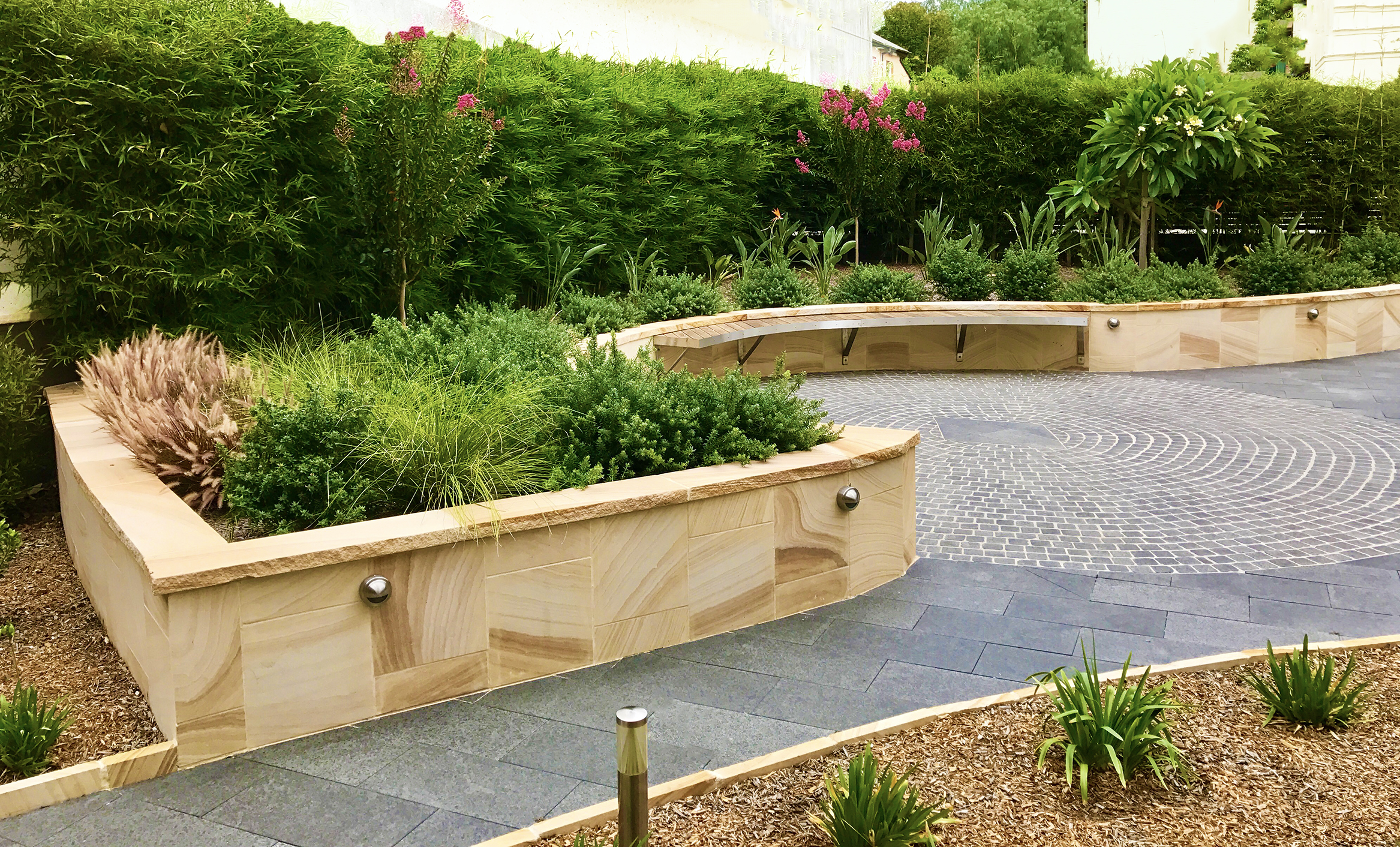 Sydney northern beaches landscapers kyora landscapes for Garden edging